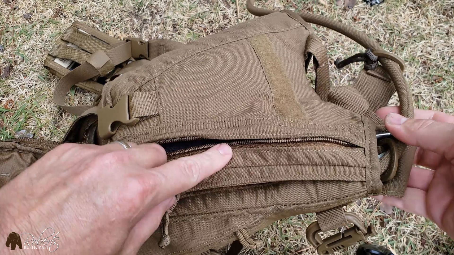 USMC FILBE Hydration Carrier side pocket entrance