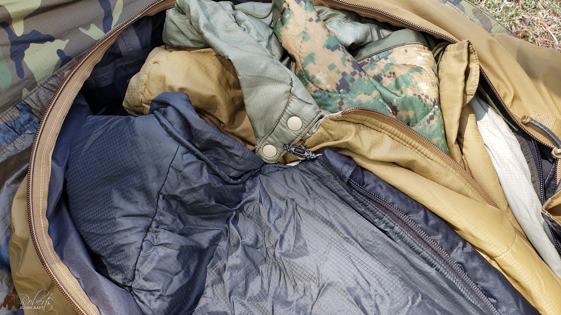 usmc military sleeping bags with woobie
